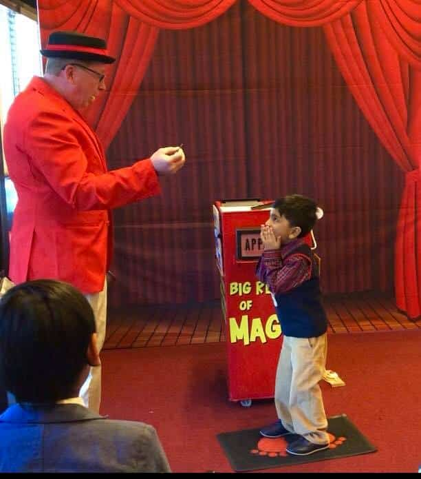 CAROLINA'S #1 KIDS BIRTHDAY PARTY MAGICIAN